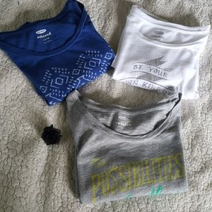 3 relaxed fit Old Navy tees